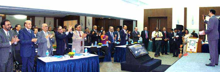Standing Ovation - A regular feature (At the Canara Bank Chairmans & Board of Directors Meet ! )